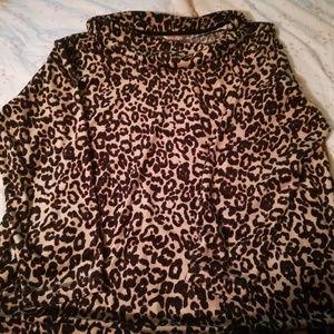 Gorgeous leopard Cheetah sweater top cowl neck!